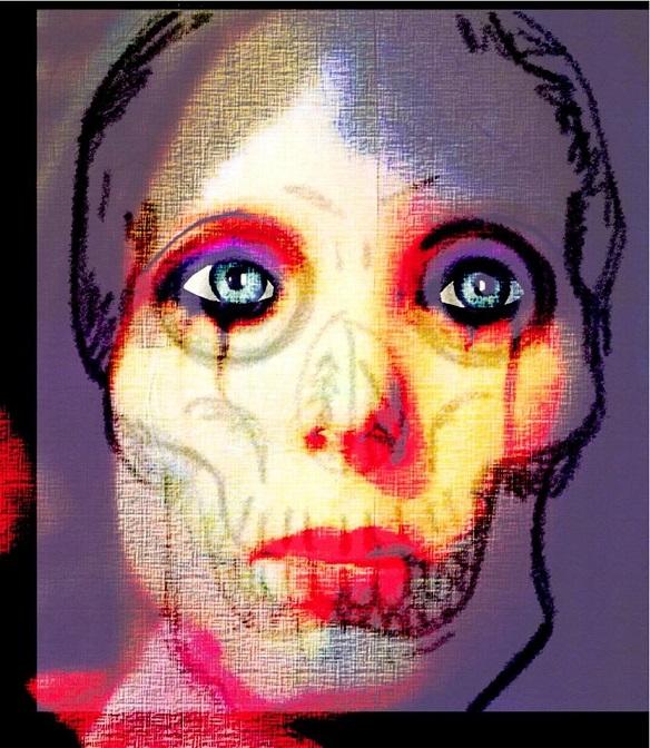 Superposition d'images représentant un visage en gros plan. Bord noir à gauche et en bas, plus fin en haut. Cette première image est un visage en peinture, couleurs saturées, visage jaune et blanc, lèvres rouges, ombre du nez et des yeux rouges également. Image qui se superpose, bord violet, traits de dessin pastel grasse noire, qui dessine le crâne, les yeux par-dessus l'image du visage. En transparence, des traits noirs sur les joues les rendant émaciées et sur le nez, une feuille d'arbre dessinée. Les yeux sont entourés de violet en plus du rouge et des traits au crayon noir, et sont peints en bleu, iris peinte avec détails et un point de lumière à l'intérieur. Illu A FACET F ADDICTION - BD